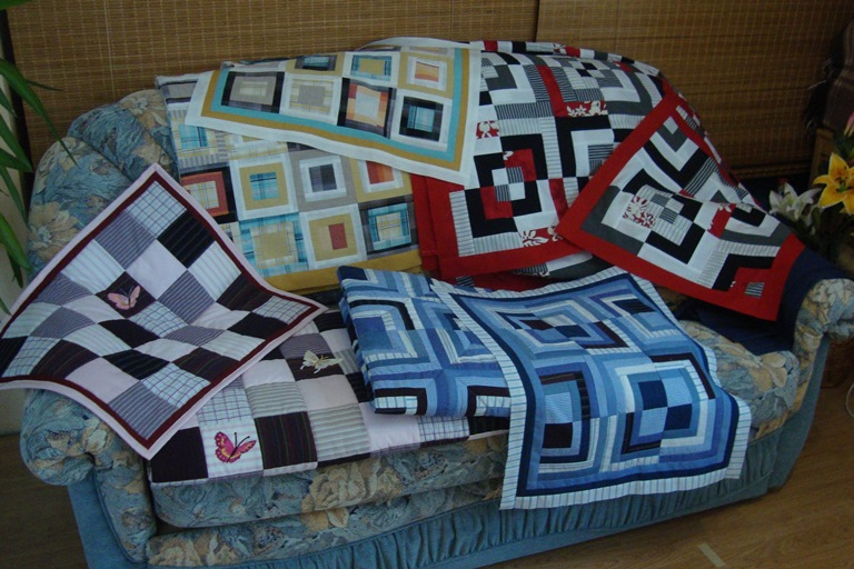 Quilts, black white red, log cabin, Mailis Design